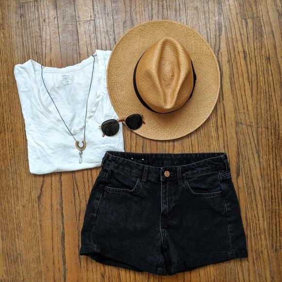 H&M Pants - ☀️3 for 30☀️ &Denim Black Shorts